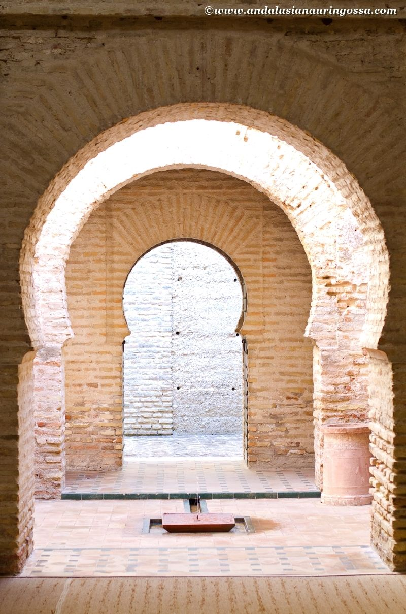 Much like its other counterparts, Alcázar fortress in Jerez offers an interestng glimpse into the Arab conquerors' Andalusia.  #Jerez #Andalusia #AlcazarDeJerez #visitAndalusia #visitSpain #JerezDeLaFrontera #travelblog #travelphotography #architecture #history #wanderlust #exploretheworld