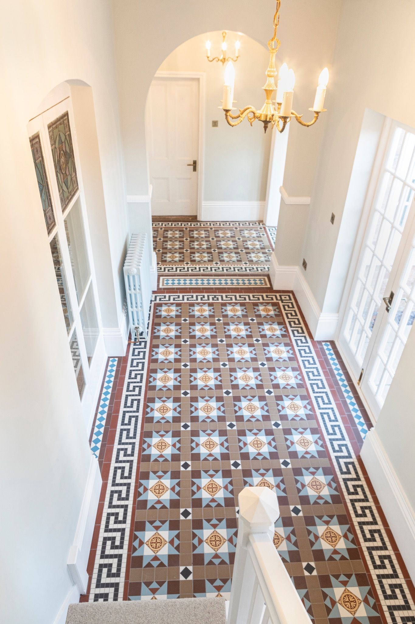 Pin By Karen King On Flooring In 2020 Tile Design Hallway Tiles Floor Floor Tile Design