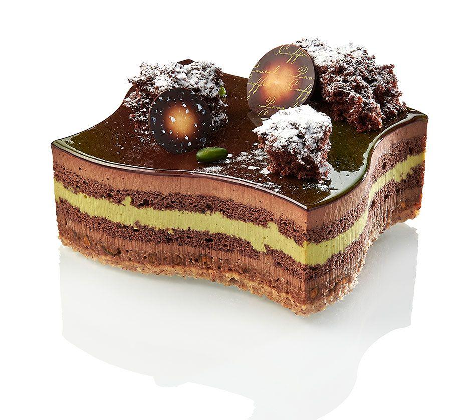 Palerme - Savoureux biscuit dacquois aux amandes, mousse chocolat noir intense Venezuela 70 %, biscuit chocolat & doux crémeux pistache. Disponible en individuel & 4/6 personnes