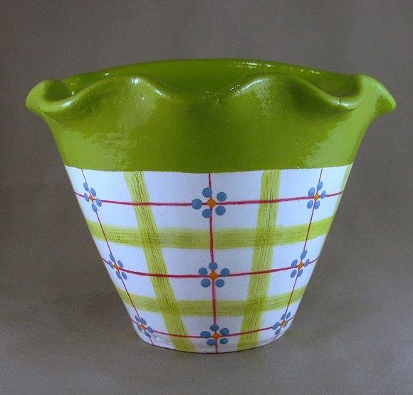 Vaso de parede com pintura Country. (o preço se refere à unidade) Podem ser confeccionados em outras cores. R$26,00
