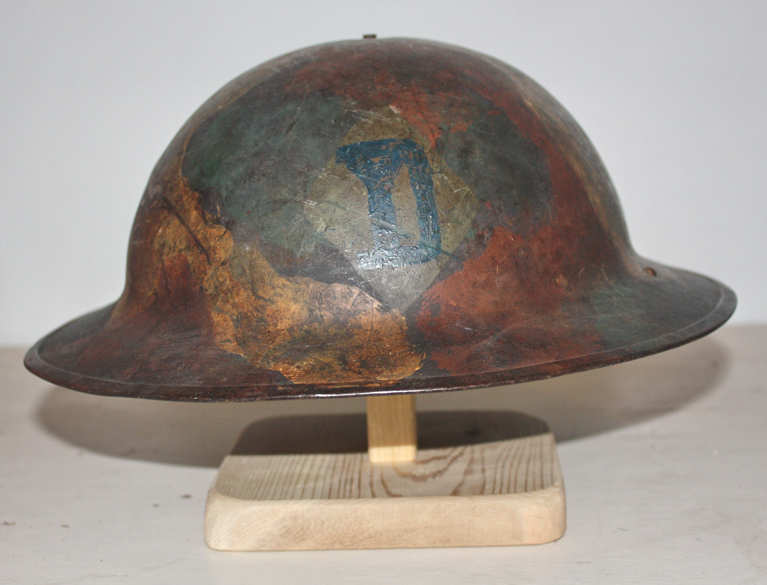 Us M1917 Painted Helmet With 26th Division World War One