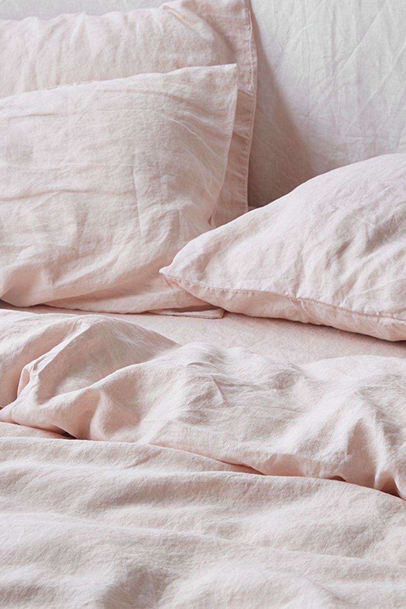 Ultra Luxurious 100 Pure French Linen Quilt Cover In Blush In 2020 Bed Linens Luxury Bed Linen Design Grey Linen Bedding