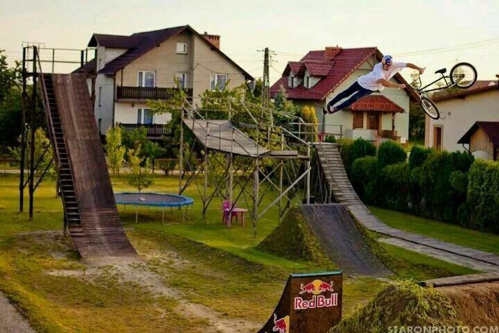Backyard jumps! Awesome | Bmx dirt, Backyard skatepark ...