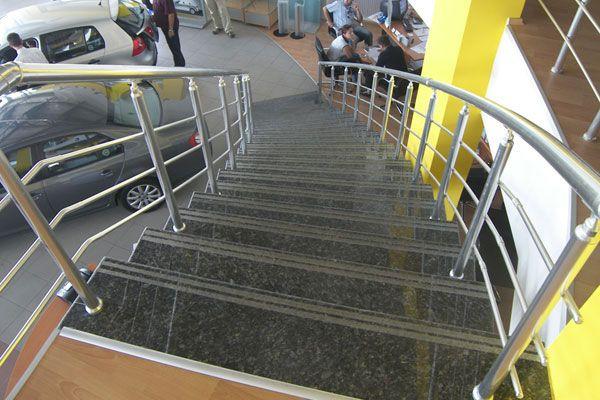 mermer merdiven basamağı