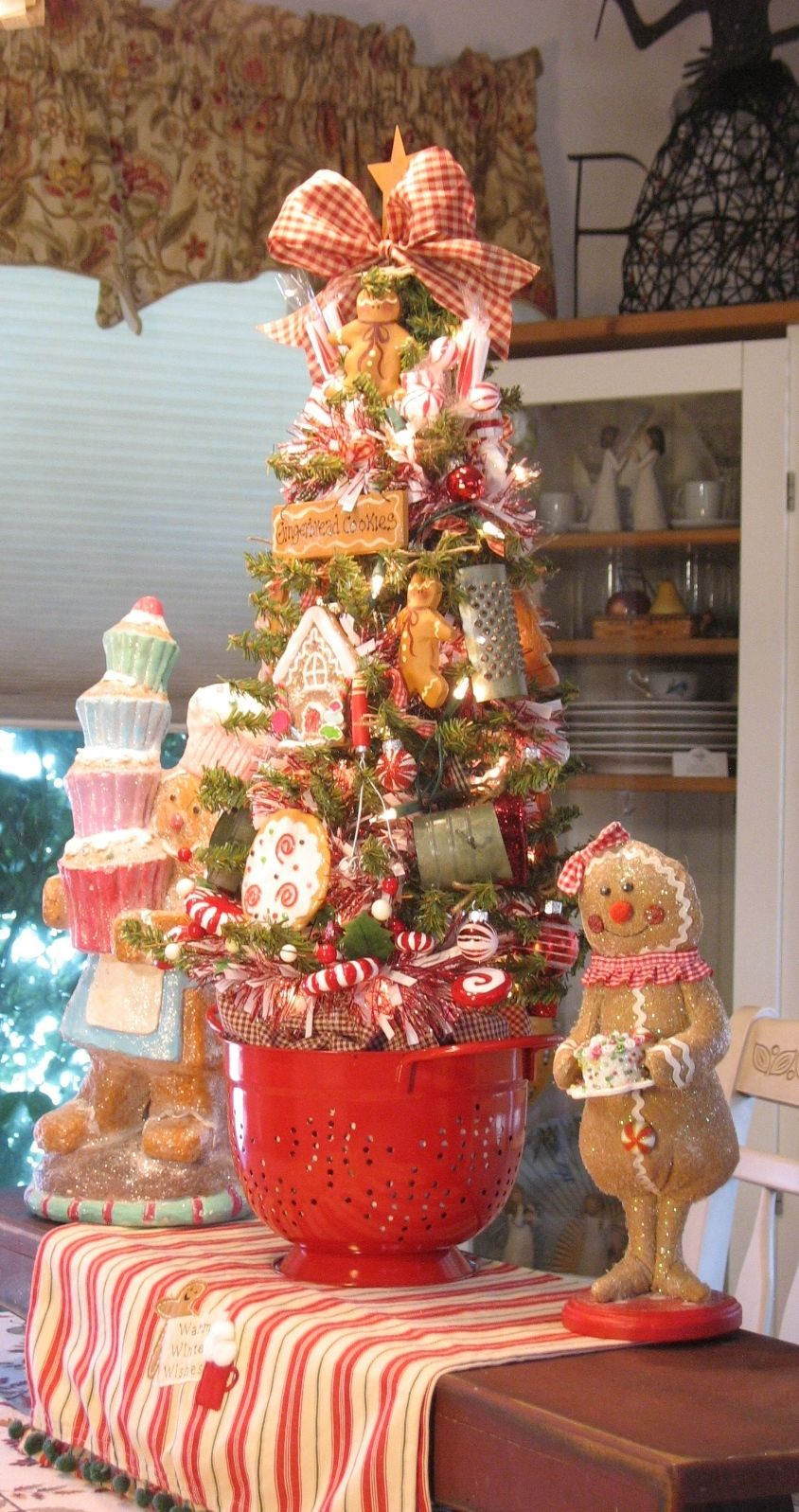 Home Made Treats 29 Gingerbread Sweets Kitchen Table Tree In Red Colander By Gingerbread Christmas Decor Christmas Tree Themes Gingerbread Christmas Tree
