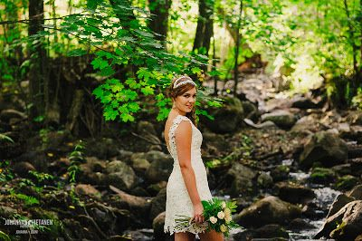 Short lace wedding dress, open back, bride in a forest. Dress by Pukuni (www.pukuni.fi)