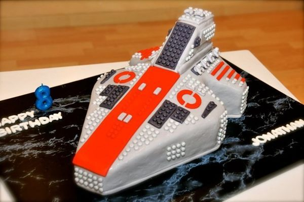 LEGO Star Wars Cake: Venator Class Republic Attack Cruiser | Star ...