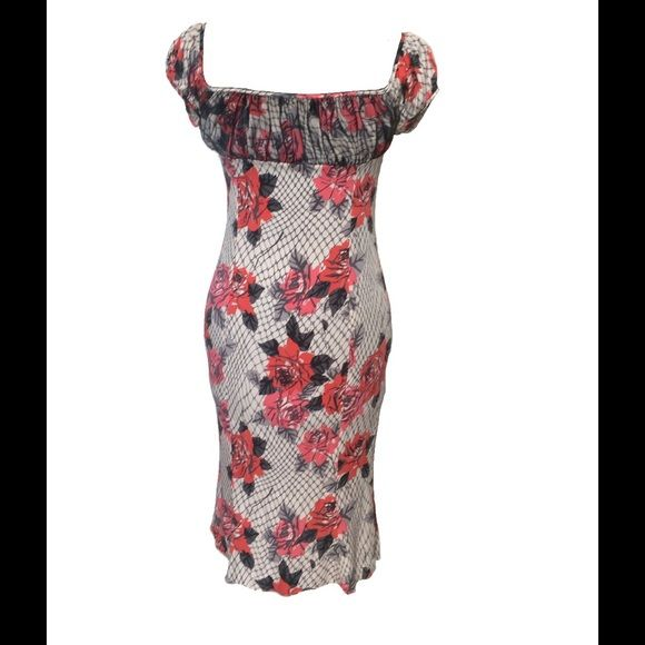 Size 4 Diane von Furstenberg Floral And Lace Dress Style name: Austen; 91% silk, 9% Lycra. Excellent used condition Diane von Furstenberg Dresses