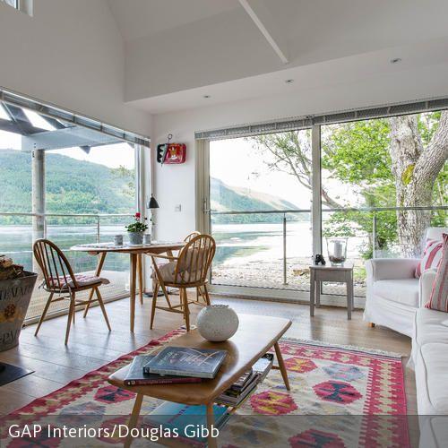 Wohnzimmer mit bunten Highlights | Lovely Interior | Pinterest ...