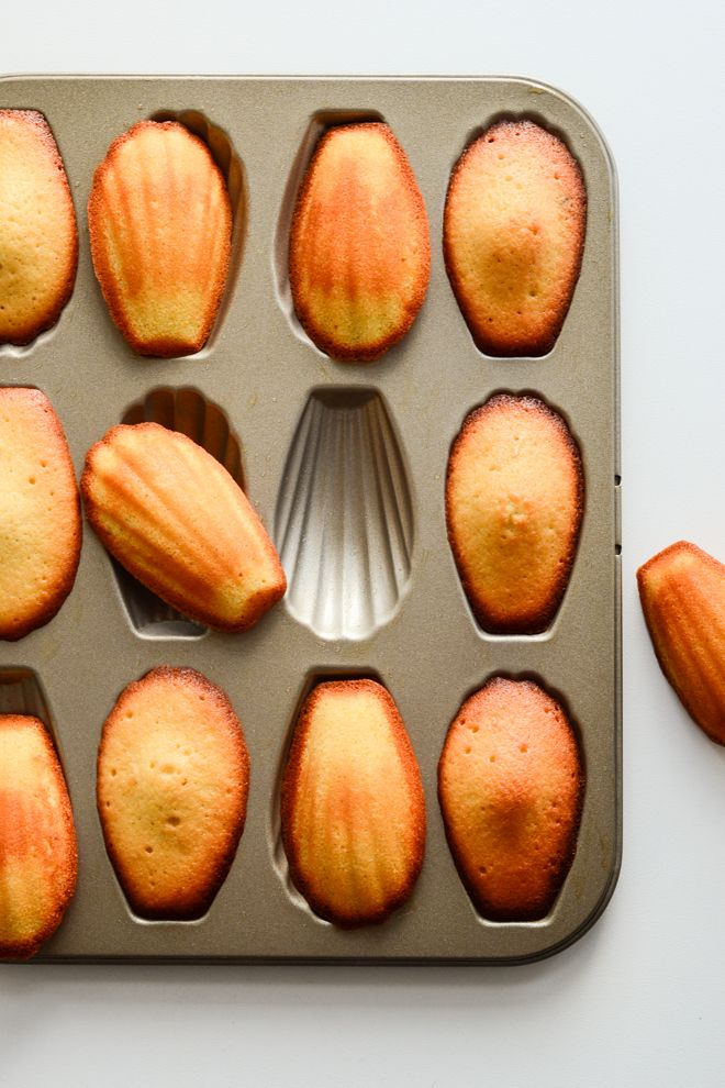 Vanilla and lemon madeleines