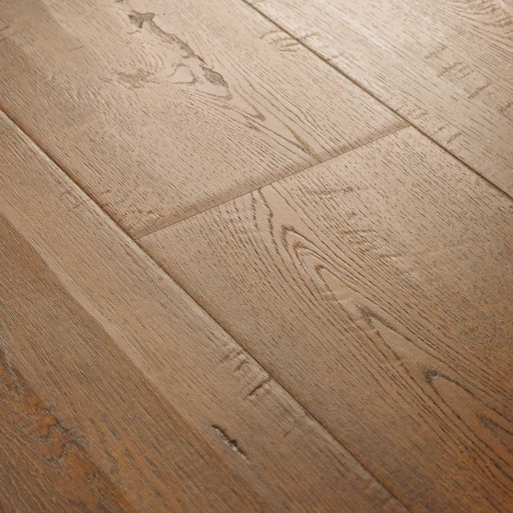 Pergo Outlast Waterproof Auburn Scraped Oak 10 Mm T X 6 14 In W X 47 24 In L Laminate Flooring 16 12 Sq Ft Case Lf000843 The Home Depot Laminate Flooring Pergo Outlast Waterproof Laminate Flooring