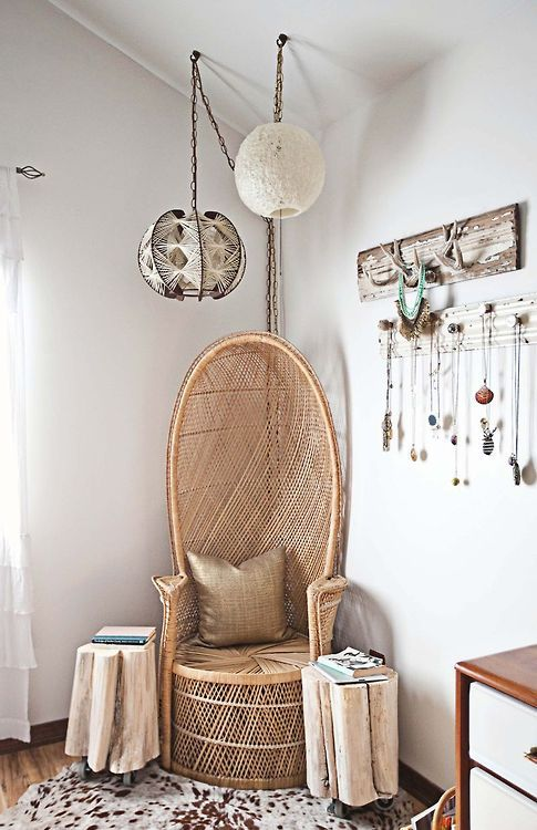 Jewelry & stylish home decor   Sedie, Interni e Arredamento