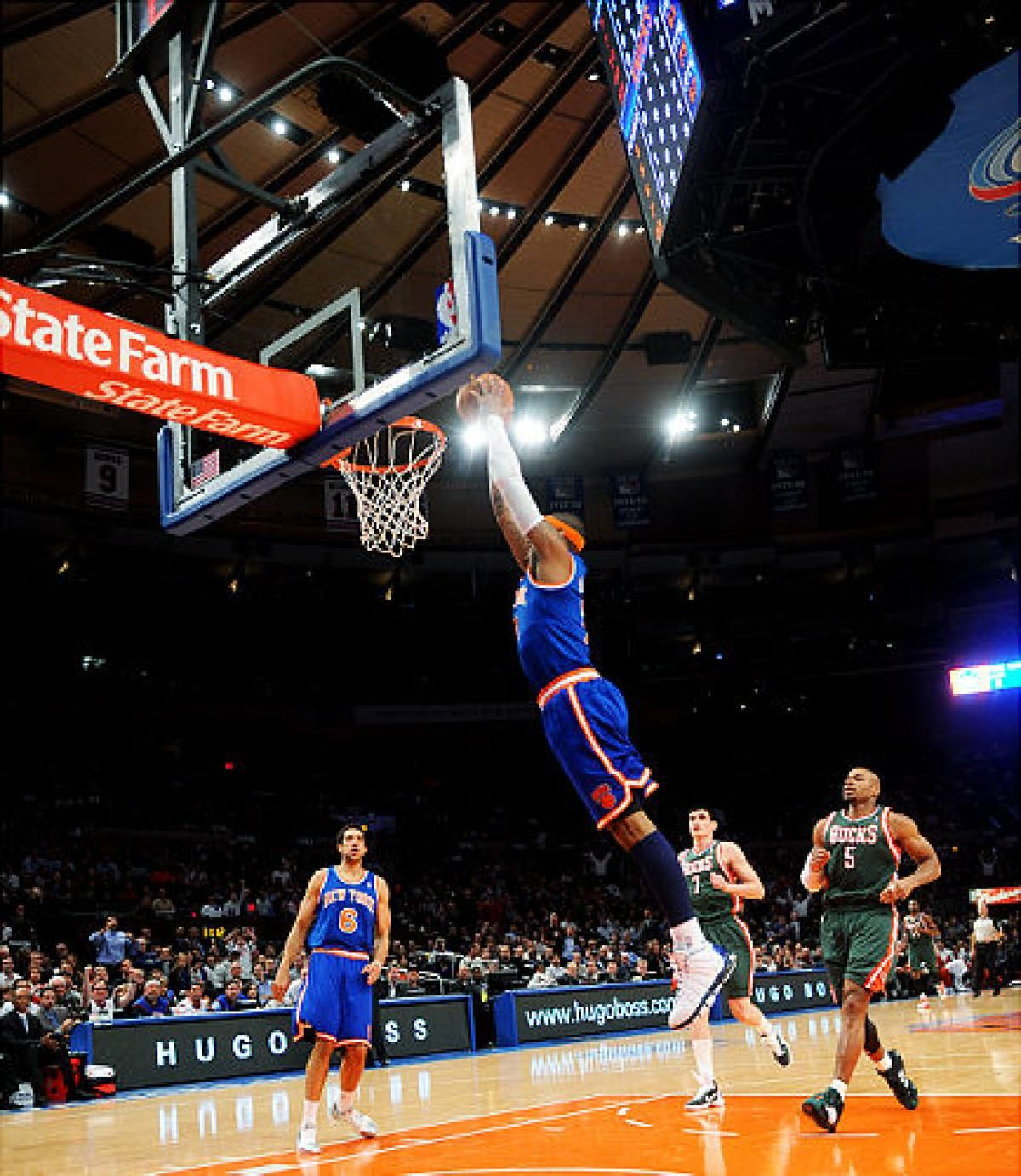 carmelo anthony dunking carmelo anthony dunking on