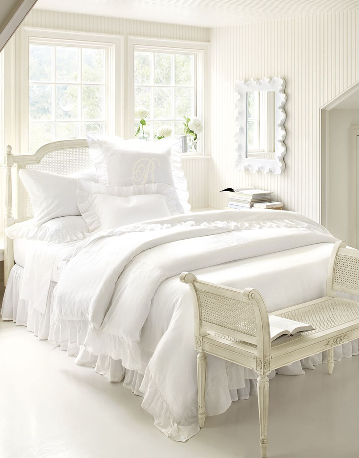 Best Photo Gallery All White Bedroom Modern Bedroom 640 x 480