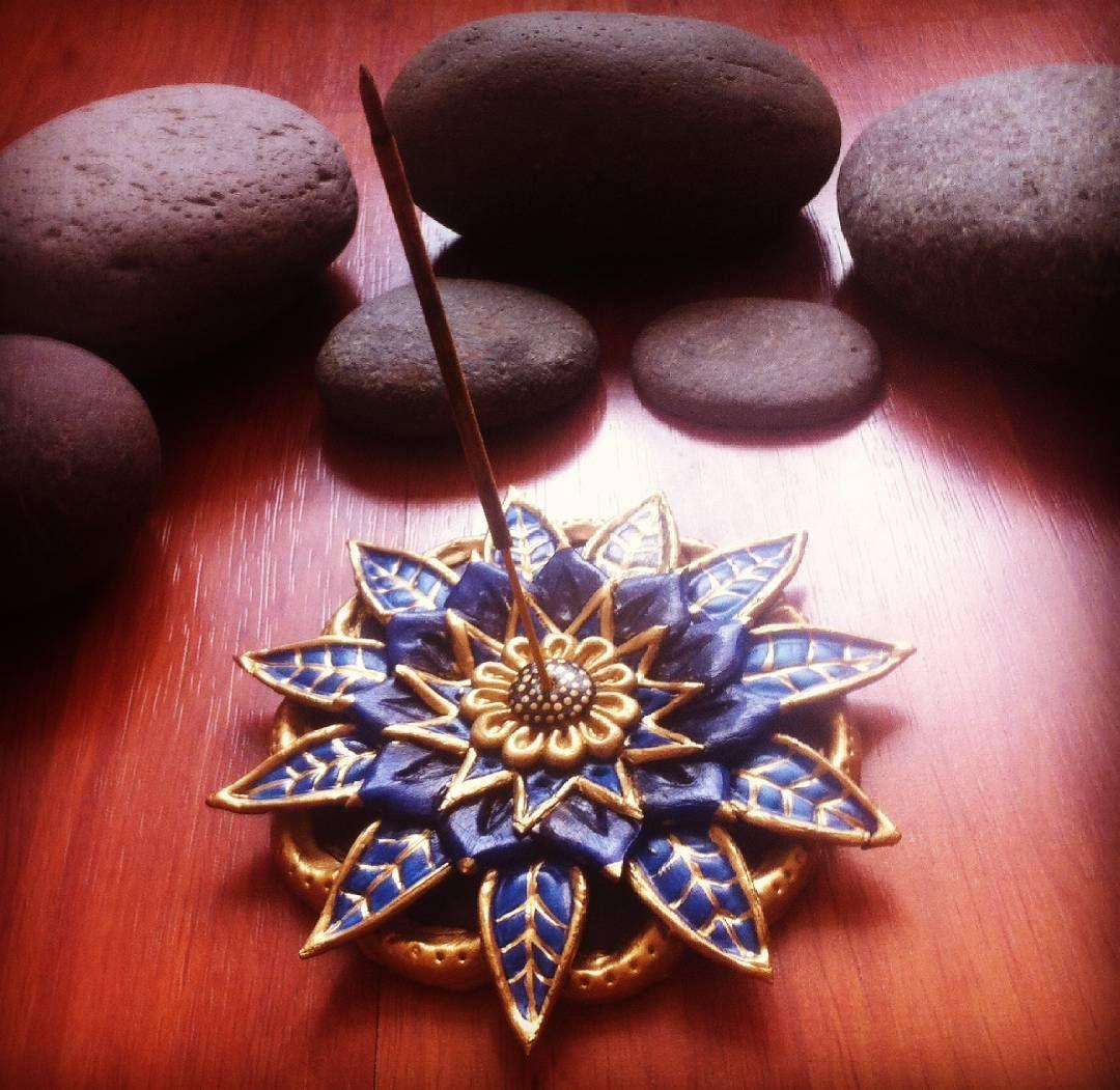Mandala porta incienso de porcelana fría :)