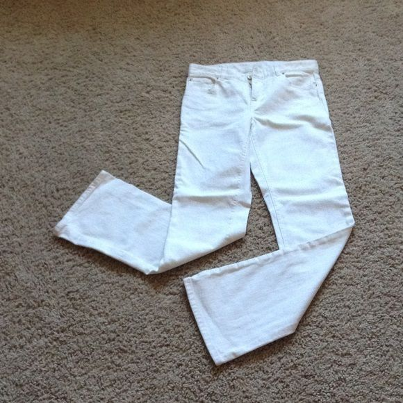 Lilly P. White Jeans Only worn once! Perfectly white. Stretchy Jean-like material. (**feel free to make an offer or ask me about bundles! Willing to make custom bundles with discounted prices if you ask and would post a listing just for you.) Lilly Pulitzer Pants