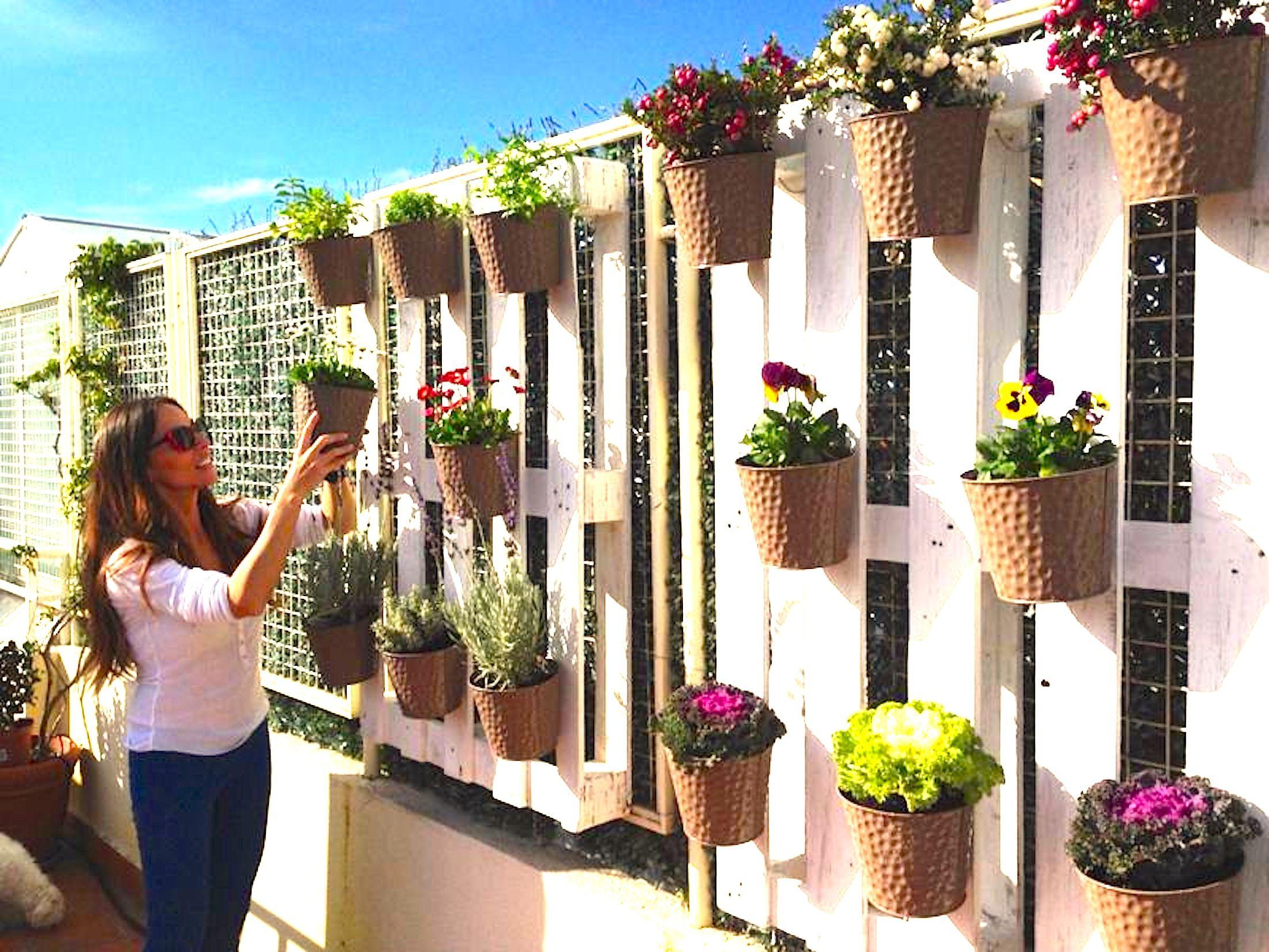 En verano las flores y las plantas no pueden faltar en for Casa hogar jardin