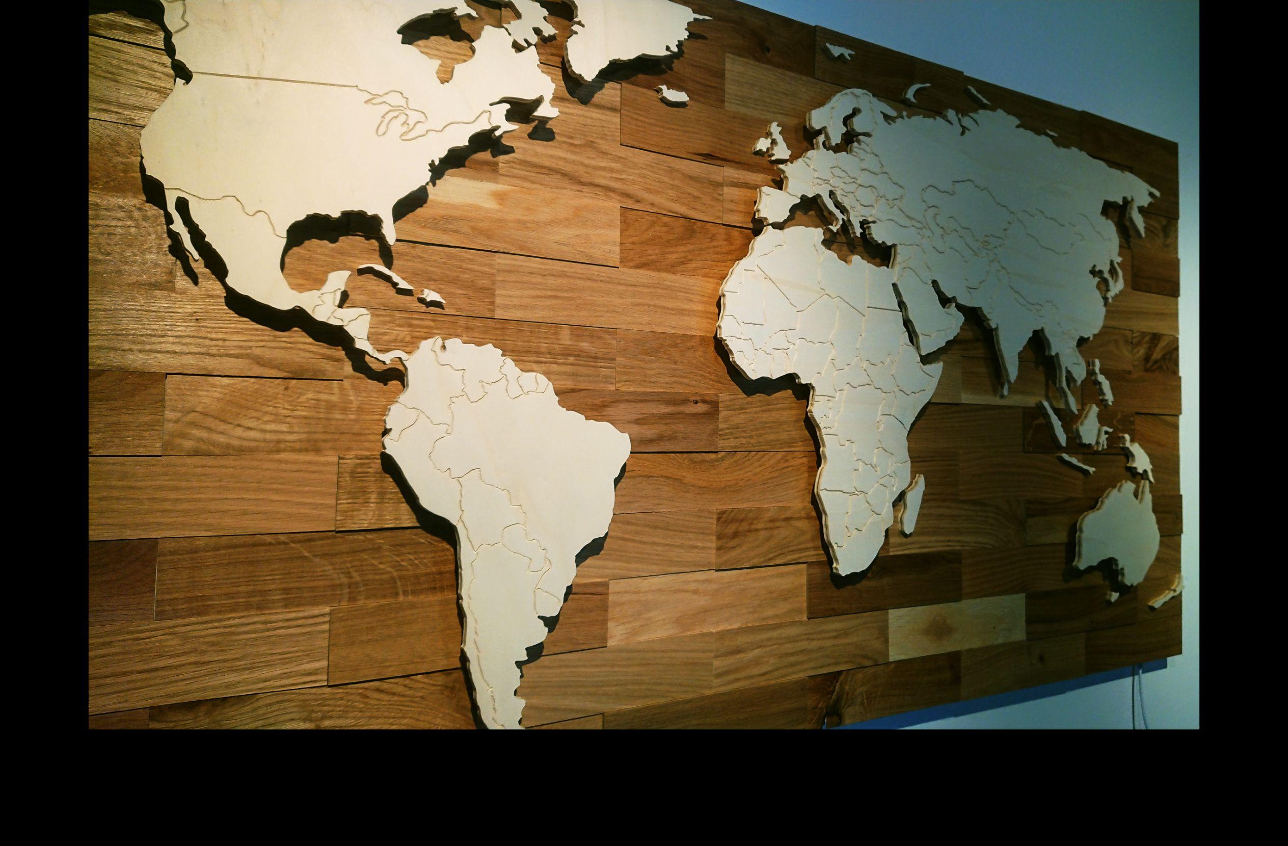 3d Weltkarte Aus Holz Mit Landergrenzen Und Led Beleuchtung Die Karte Ist Wifi Fahig Und Lasst Sich Mit Eine Weltkarte Aus Holz Led Beleuchtung Eiche Rustikal