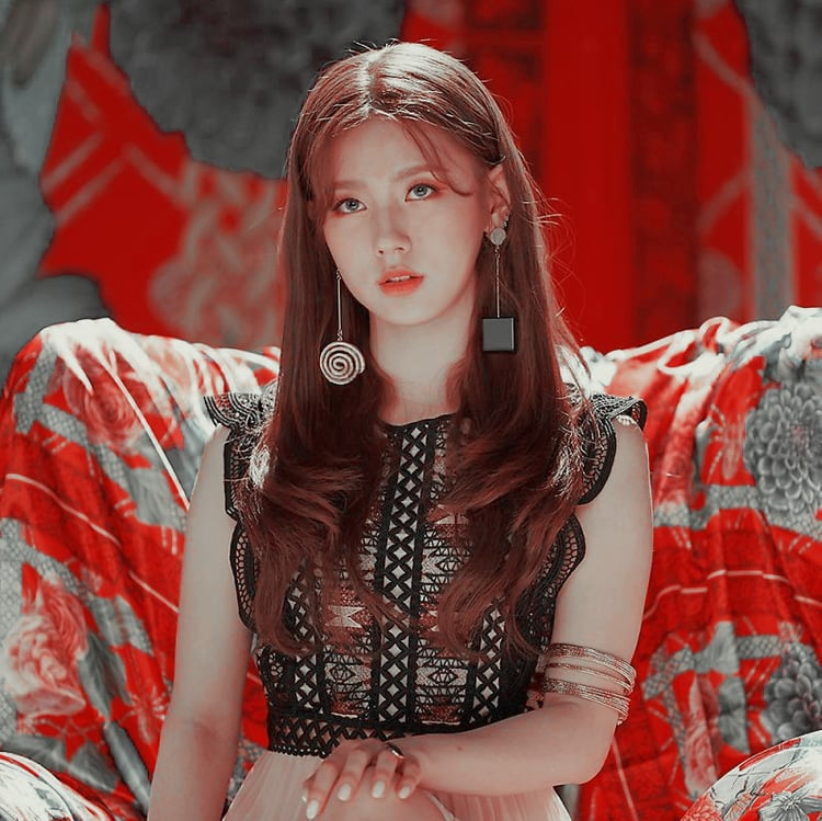 Miyeon Gidle Icons Filter Psd Cred To Itsvenue But Edit By Hyecula On Ig Whi Save Use Heart It Please Kpop Girls Kpop Girl Groups Korean Pop Idol