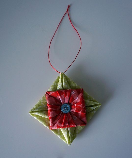 Picture Of Diy Origami Ornaments: Sy, Elsk, Lev (Sew, Love, Live): Fabric Origami Ornament