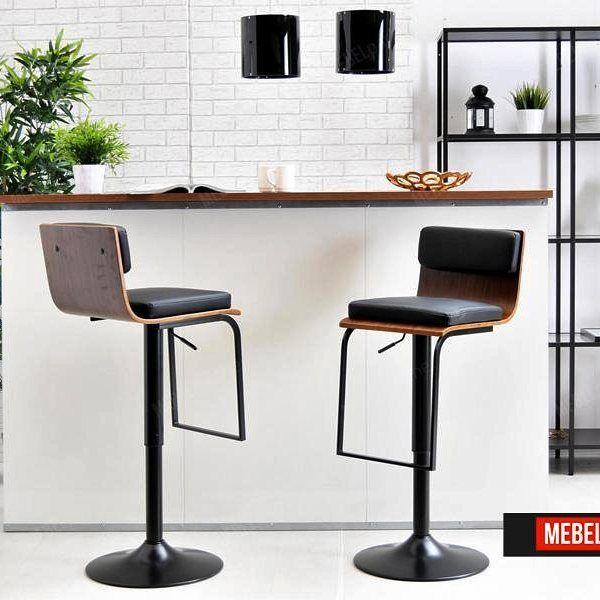 Po co czekać do kolejnego weekendu - zawsze jest dobry czas na odprężenie! Hokery 27 o tym wiedzą i czekają w pogotowiu  #hoker #kuchnia #bar #odpoczynek #odpoczywamy #relaks #czasnarelaks #spotkanie #drewno #skóra #wnętrze #wystrójwnętrz #dom #mieszkanie #industrial #design #furniture #home #homedesign #industrialdesign  #meeting #stool #relax #weekend #chillout #homedecor #interior #interiordesign #inspiration #polish by mebel_partner