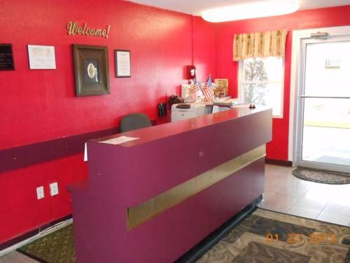 Country Hearth Inn Benton Illinois Located Off Interstate This Hotel Offers A Daily Continental Breakfast And Rooms With Free Wifi
