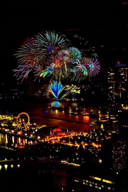 Chicago S Navy Pier Fireworks Fireworks Navy Pier Chicago Navy Pier