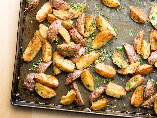 Roasted New Potatoes with Garlic #UltimateComfortFood