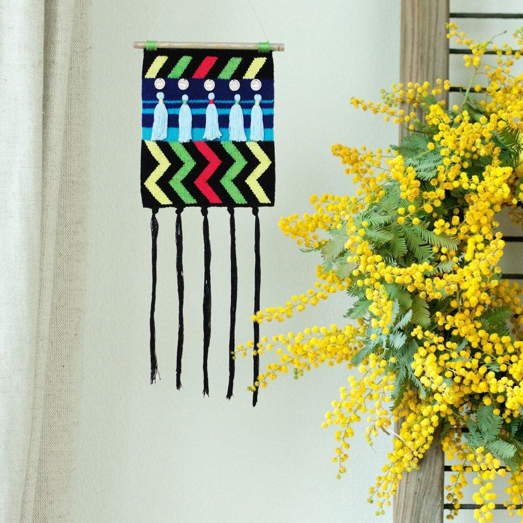 Woven wall hanging \