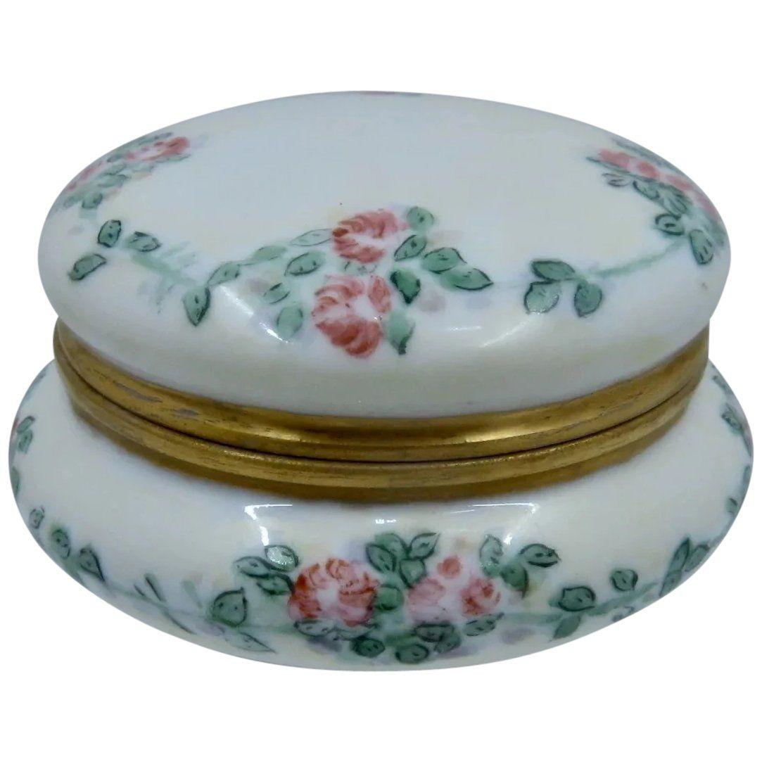 P M Mavaleix Limoges Porcelain Powder Box Hp Roses In 2020 Powder Box Porcelain Limoges