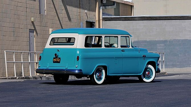 1956 Gmc Deluxe Suburban With Images Gmc Trucks Gmc
