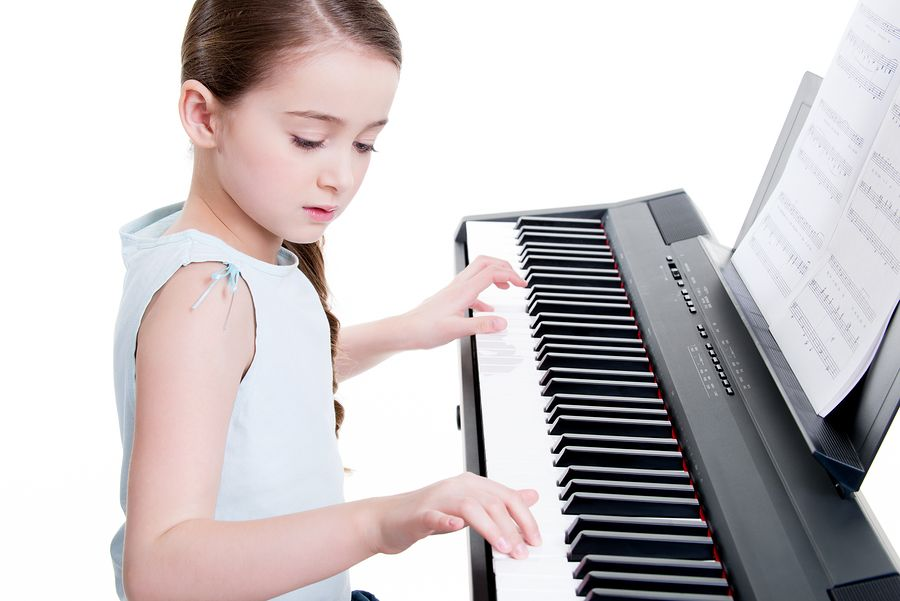 Techniques on How to Play Chords on Piano - https://groovebat.com/blog/techniques-on-how-to-play-chords-on-piano