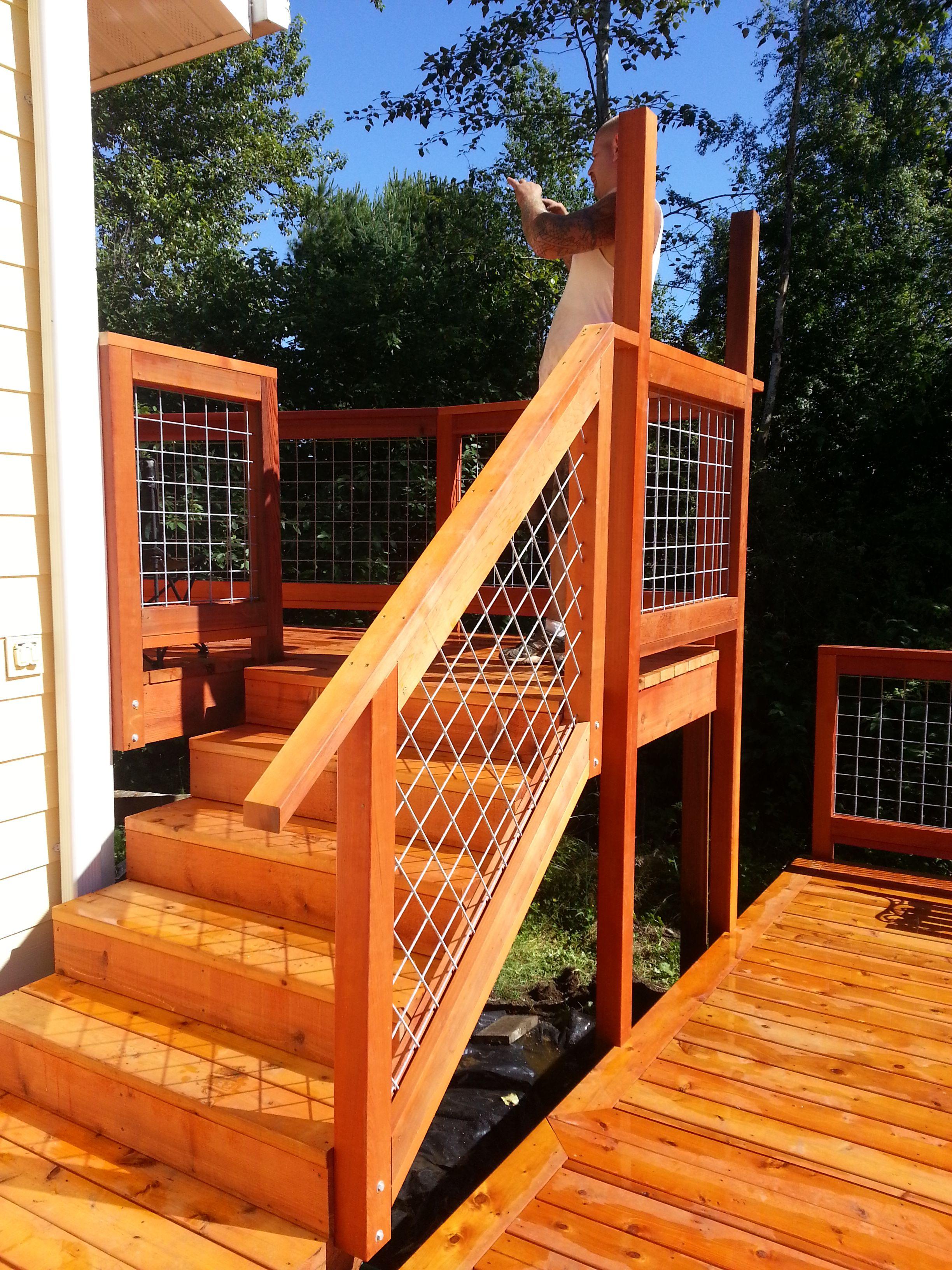 Best Custom Cedar Deck With Hog Wire Handrails In Bellingham 400 x 300