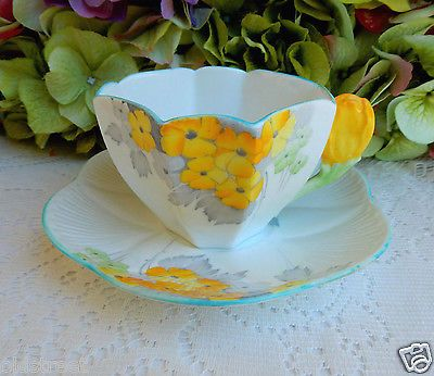 Early Shelley Fine Bone China Queen Anne Cup & Saucer Yellow Flower Handle 2196 https://t.co/EaMwN5bX1G https://t.co/80t22HNJSd