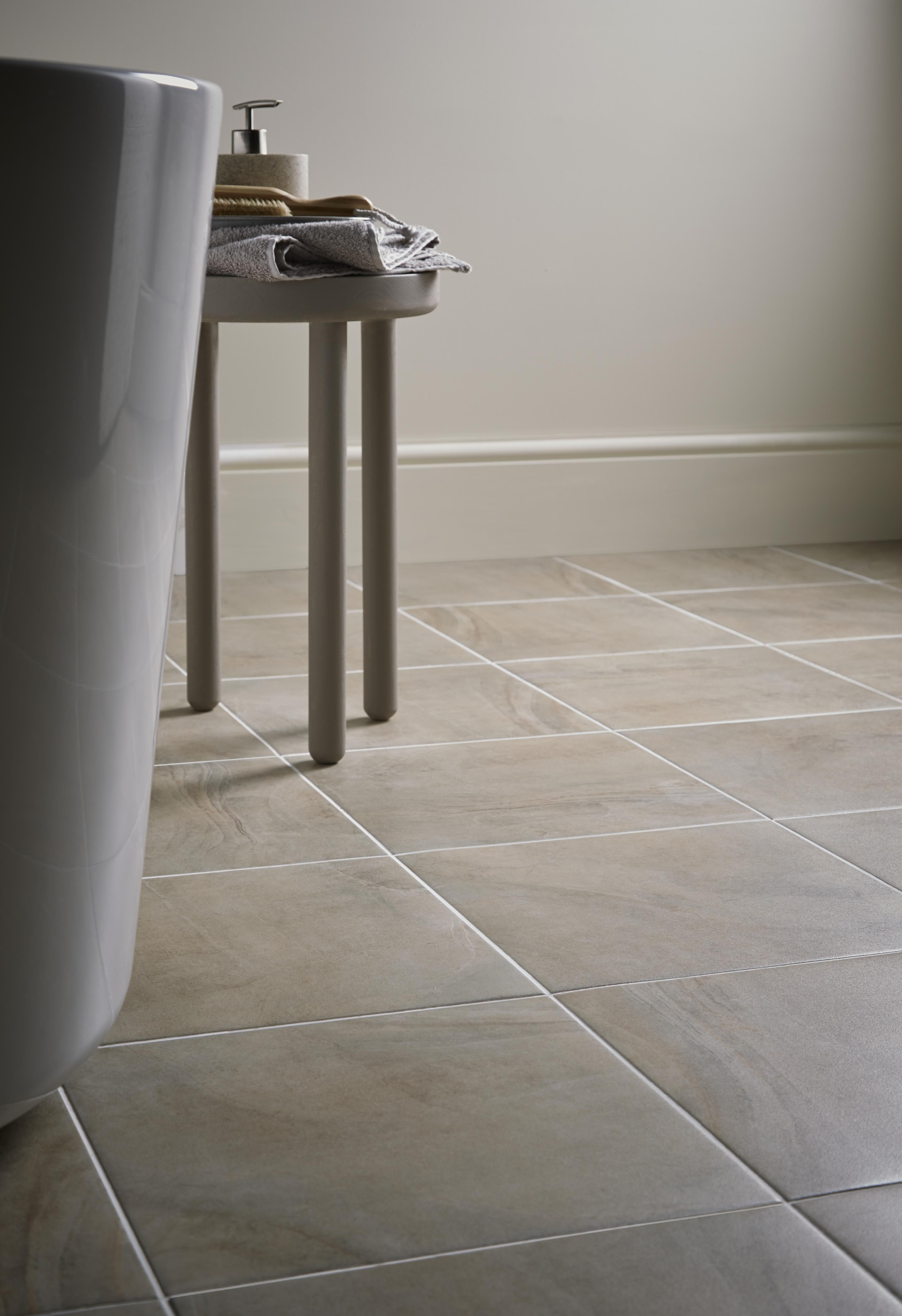 Mimicking Sedimentary Rock Formations And Beach Style Patterns The Granada Is A Natural Looking Tile That S Perfect Fro Bathrooms