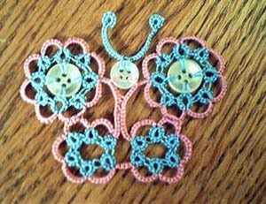 so nice with those buttons : Birgit's Tatting: pattern #crochetapplicates
