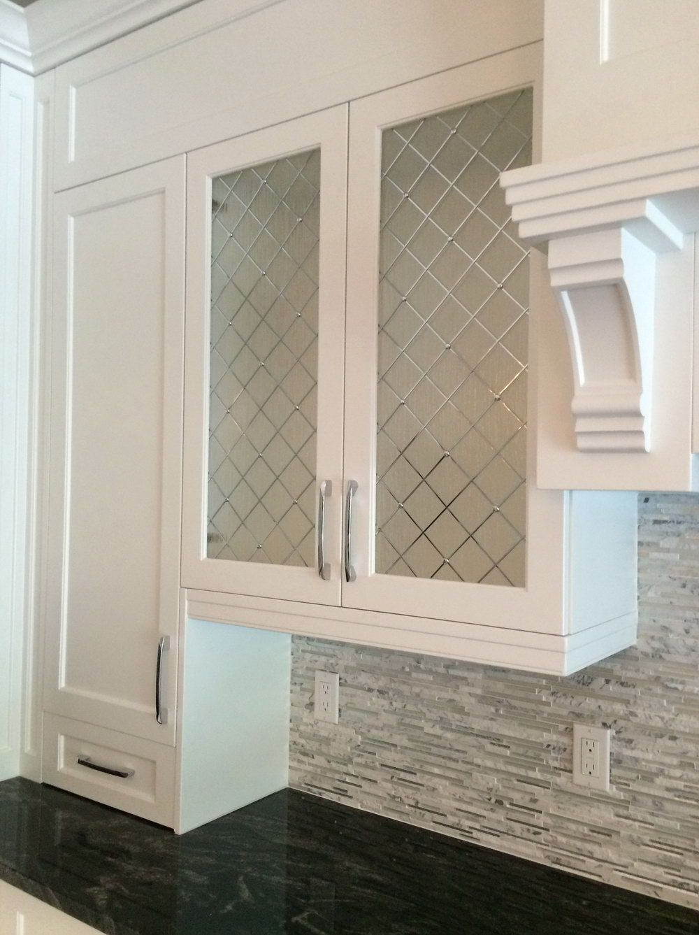 Captivating Frosted Glass Kitchen Cabinet Doors #kitchencabinetsorganization