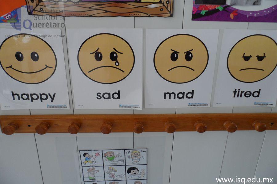 Ejemplificar con imágenes los estados de ánimo nos ayudarán a que los pequeñitos se conozcan; si están aprendiendo a hablar  esto les facilitará expresar sus sentimientos.  Ideal para Nursery y Preschool