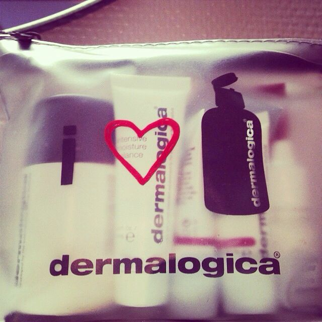 #Octobergiveaway- October @dermalogicauk1 #favourites Be in with a chance to win with a comment below saying why these are your favourite. #dailymicrofoliant #skinperfectprimer #totaleyecare