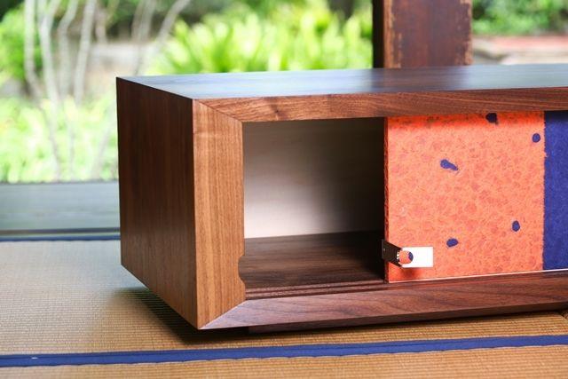 "Photo of 日本の伝統的な""襖""を取り入れた和モダンな創作家具「fuscoma」 | ROOMIE(ルーミー)"