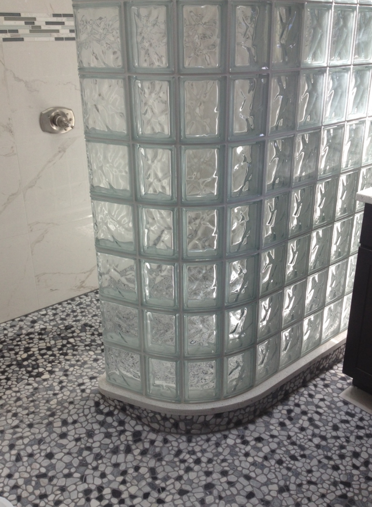 5 ½ Essential Tips to Conquer Your Odd Shaped Shower   Tile shower ...