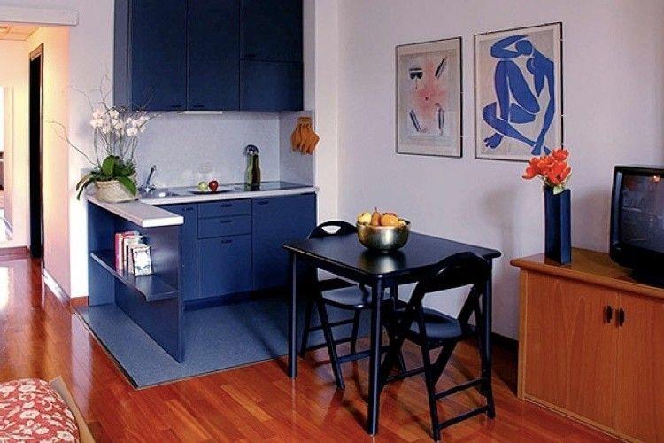 soggiorno piccolo con angolo cottura arredamento