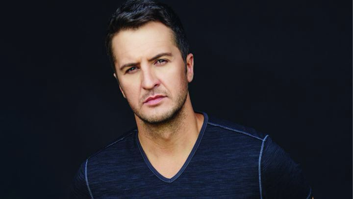 Look at those eyes!! How can you resist them!?! Luke Bryan is the hottest thing to live!!❤️
