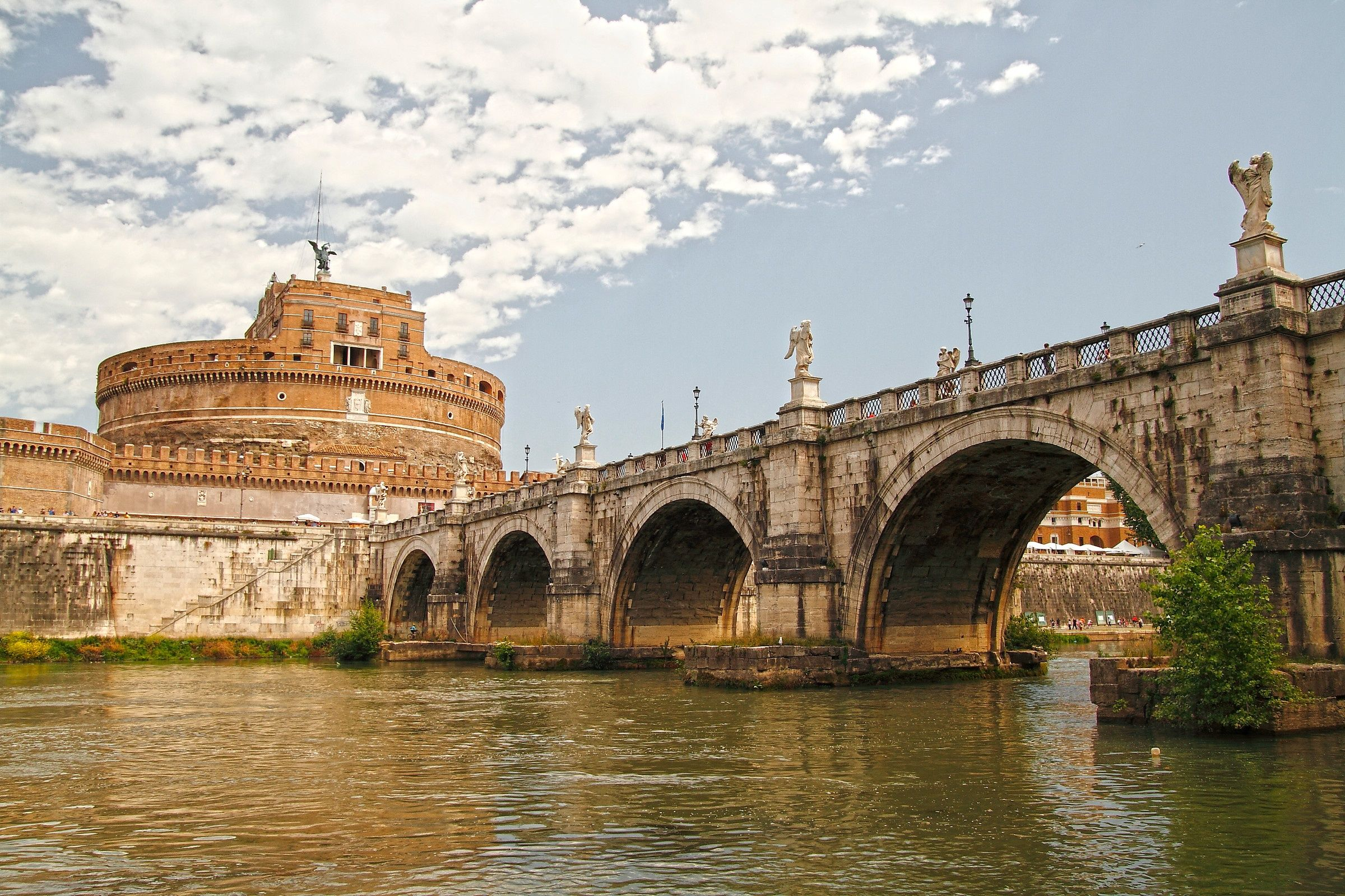 SIGHTS. Castel Sant'angelo. Standing between the Tiber and
