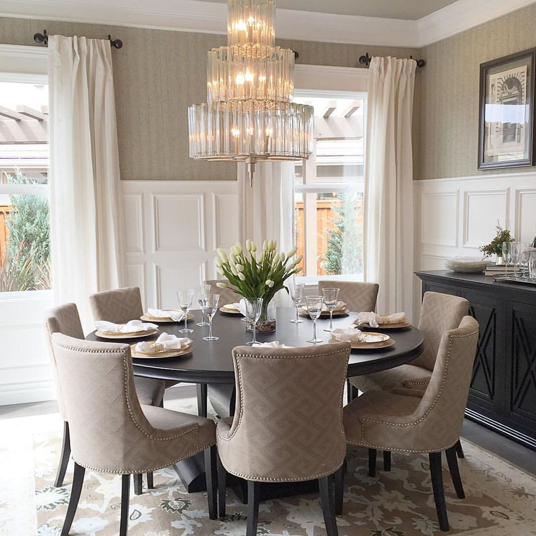 Epic 75 Simple And Minimalist Dining Table Decor Ideas Http Goodsgn Com Kitchen 75 Simple A Round Dining Room Table Dining Room Table Decor Round Dining Room