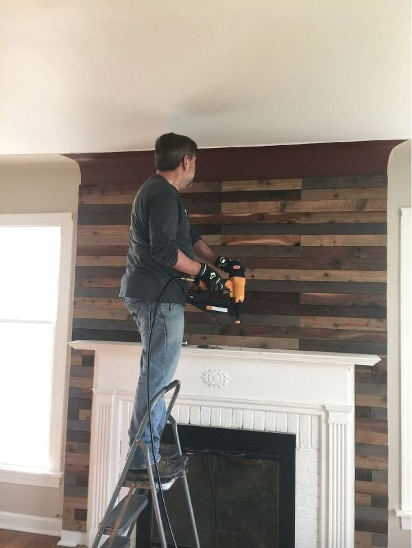 Quick and Easy Fireplace Update Pallet wall decor Fireplace