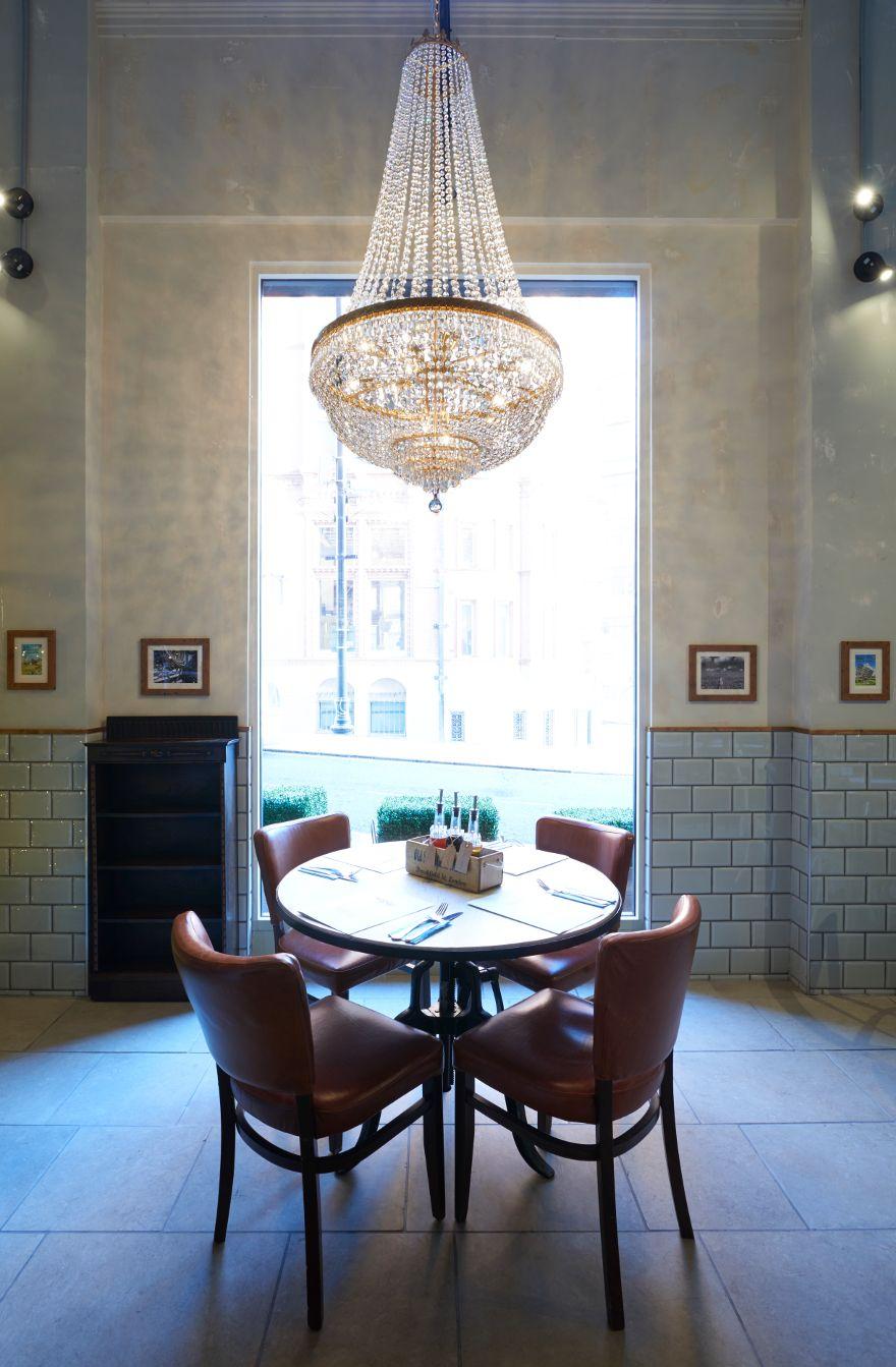 Captain's table, chandelier George's fish & chip Kitchen, Nottingham