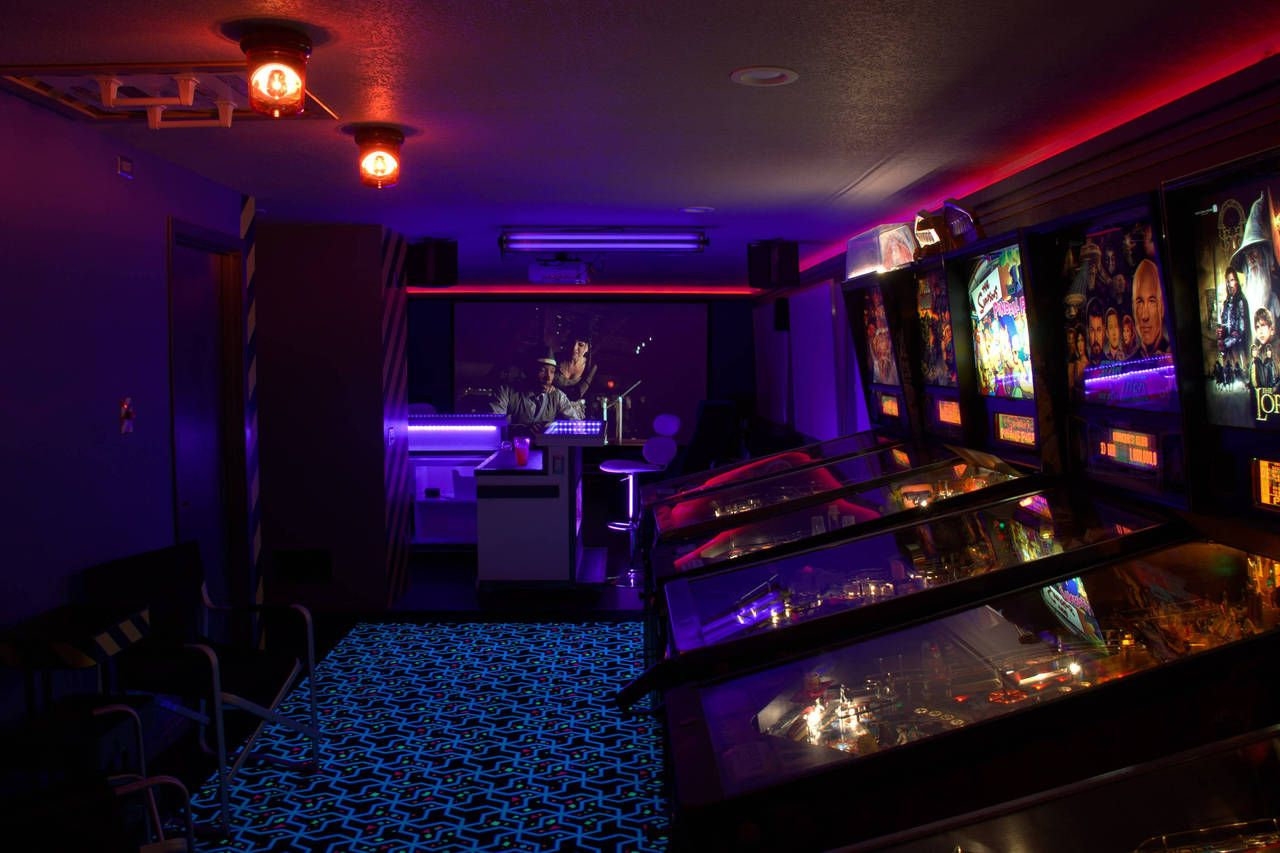 Man Cave Arcade : This man cave is like an old school arcade complete with