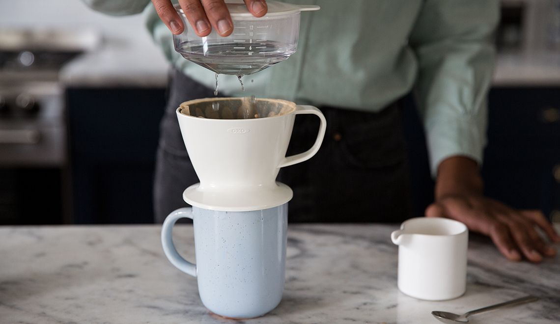 How to use oxo brew pourover coffee maker with water