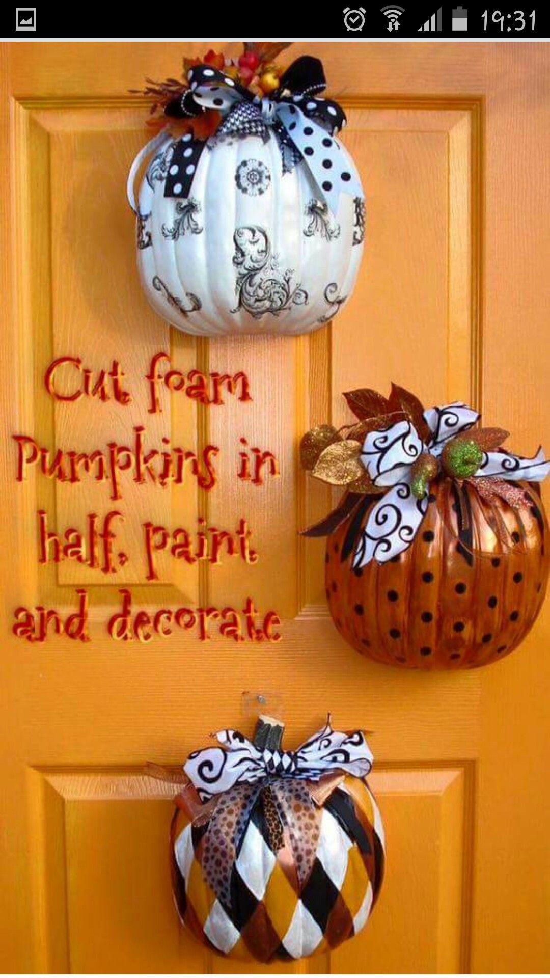 Half Pumpkin Door Decorations In 2019 Halloween Crafts